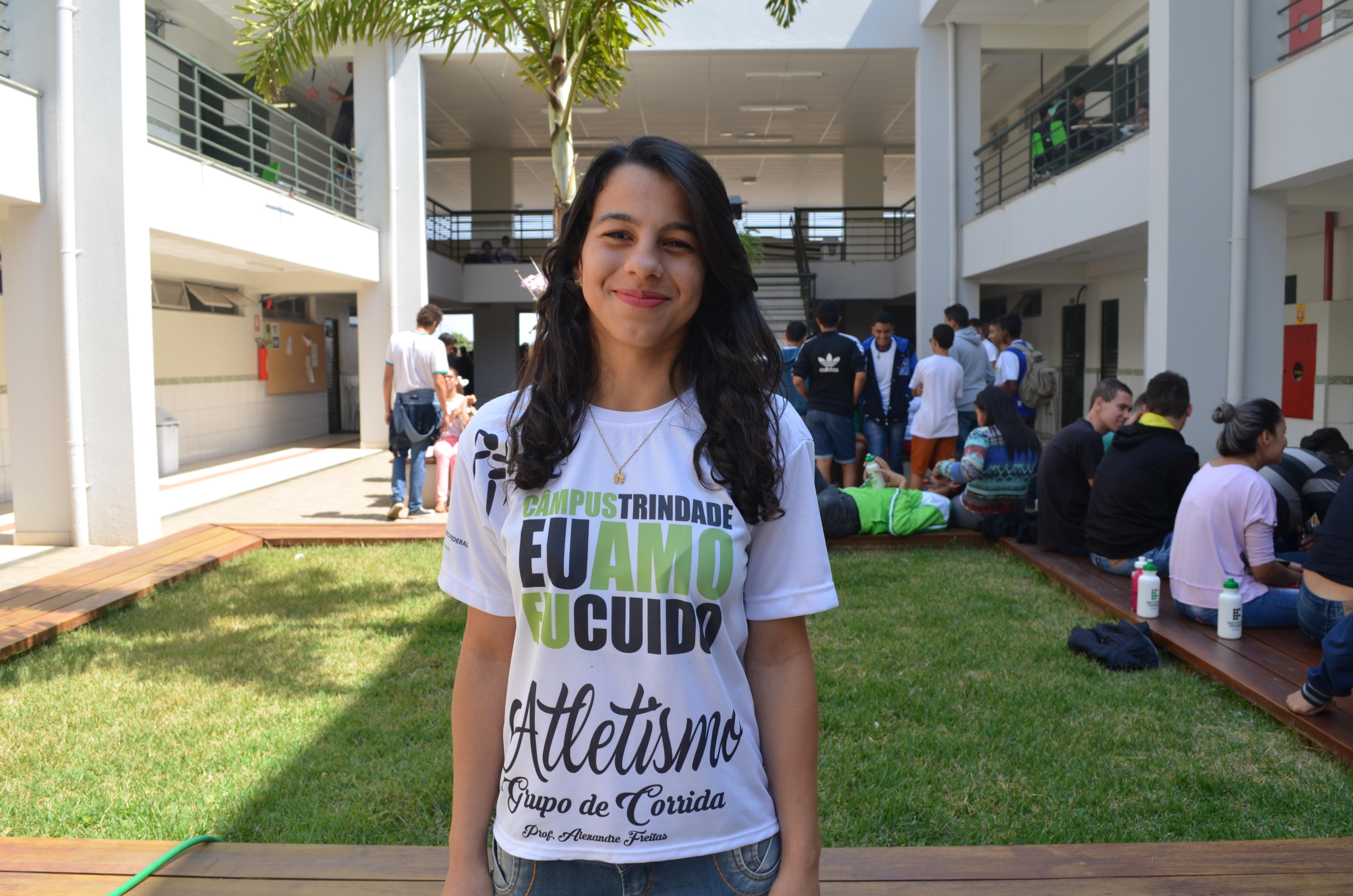 Thífany Moraes Rocha (foto), aluna do 2º ano do curso técnico integrado em Informática, do Campus Trindade.
